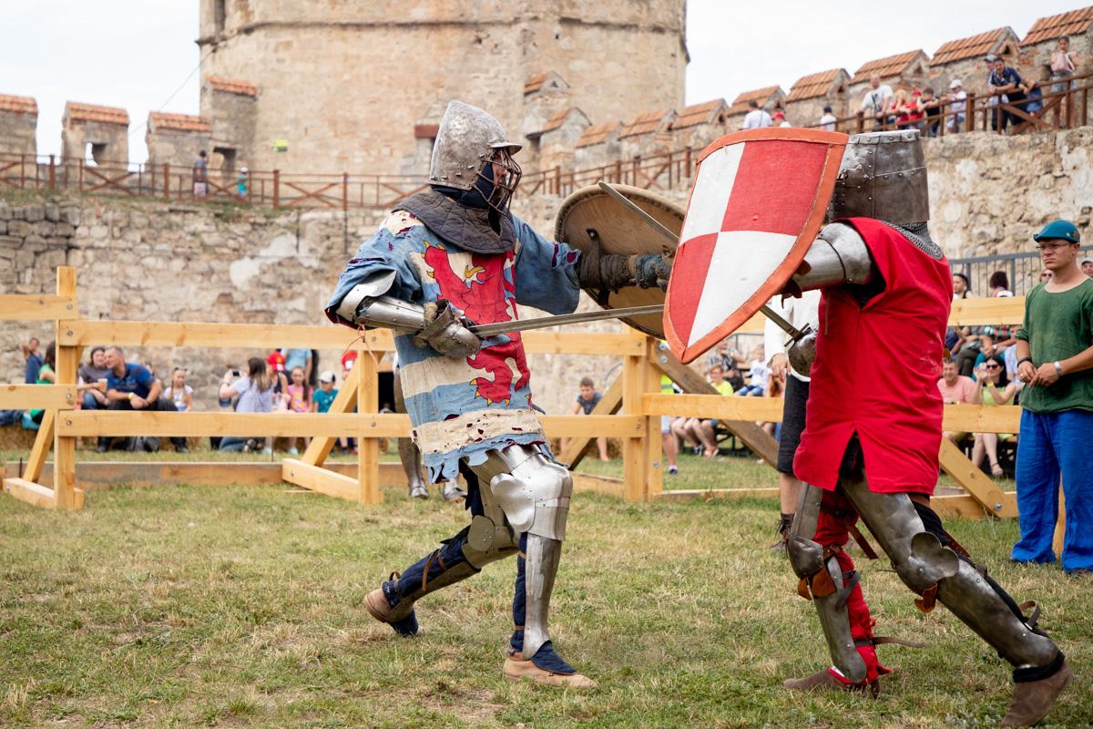 Фото битвы на мечах