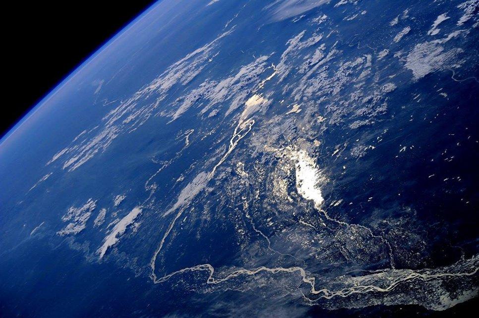 общем фотографии со спутника космос одна настоящая модница