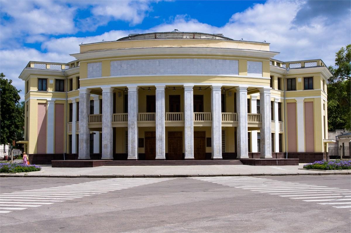 25 ноября в драматическом театре им нсаронецкой состоится спектакль укрощение строптивой