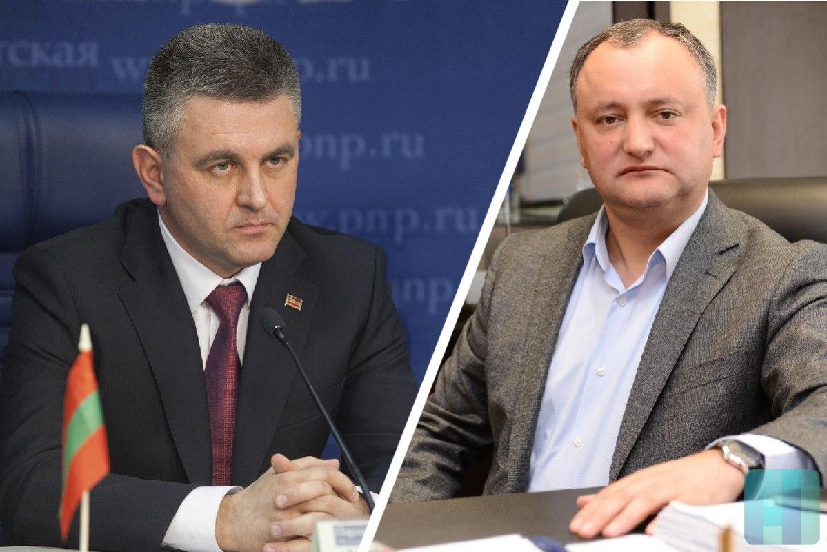 Руководителя Молдавии иПриднестровья провели первую завосемь лет встречу