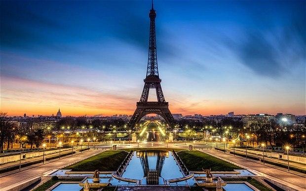 Встолице франции после нападений стало значительно менее туристов