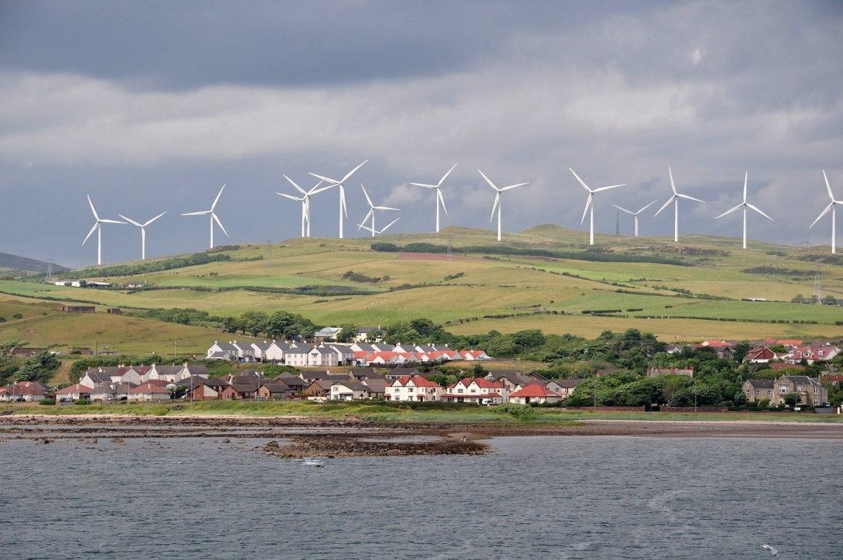 Шотландия впервые смогла полностью обеспечить себя «ветряным» электричеством