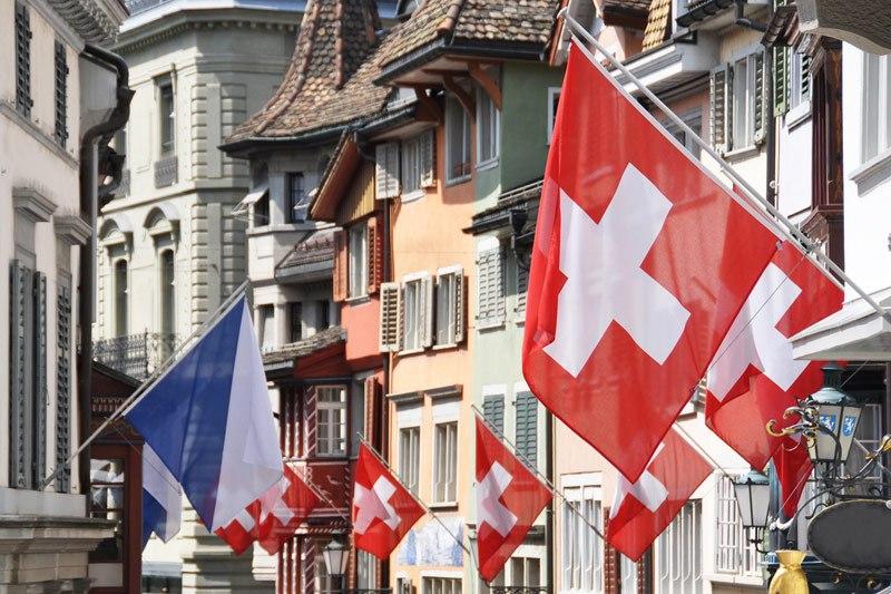 Швейцарцы нареферендуме предпочли безопасность свободе
