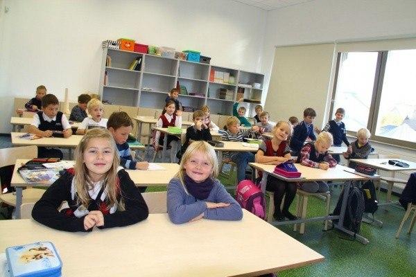 Новые власти Эстонии пообещали сохранить преподавание вшколах нарусском