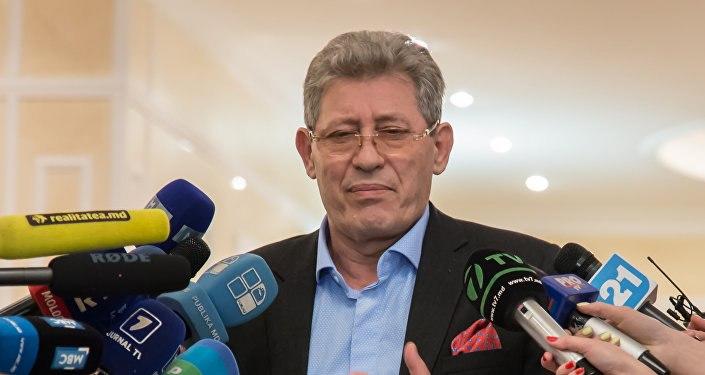 ВМолдове депутаты-либералы инициируют отставку президента Додона