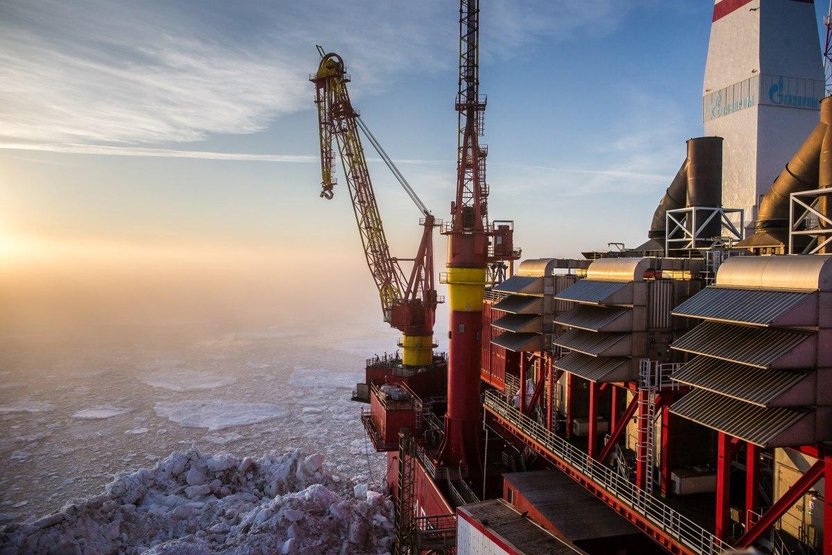 Российская Федерация вначале года сократит нефтедобычу вдвое больше договоренности