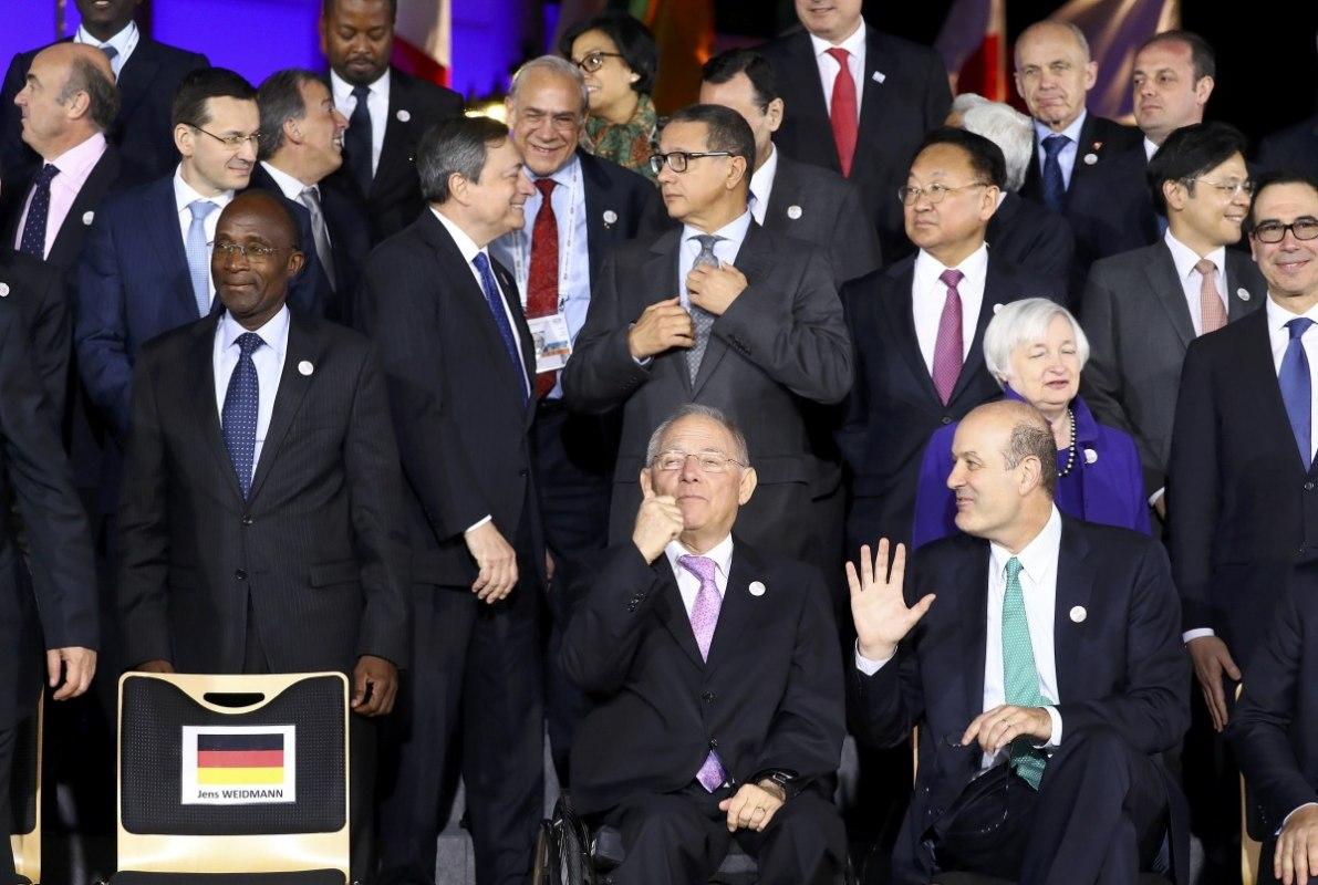 Париж сожалеет, что министры финансов недоговорились посвободной торговле
