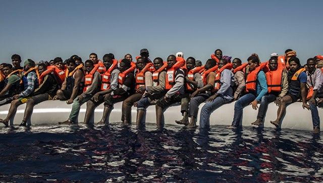 Около 60 мигрантов пропали без вести при кораблекрушении вСредиземном море