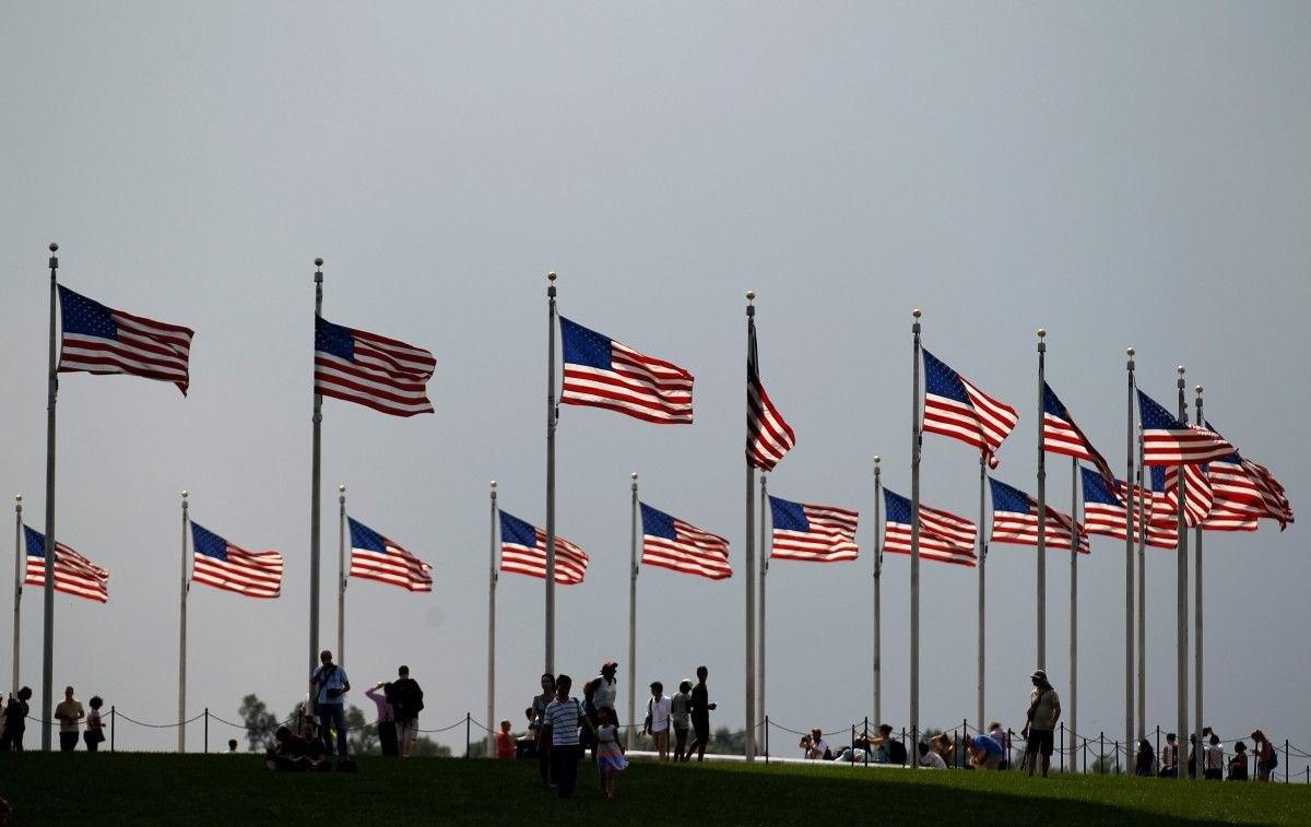 США запретили заезд гражданам из 8-ми стран