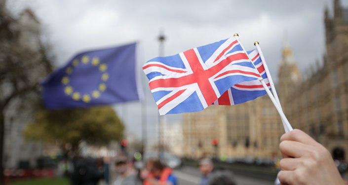 Великобритания готовится ввести ограничения для мигрантов из европейского союза после Брексита