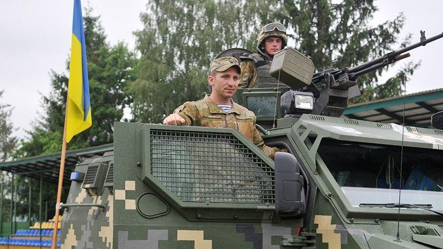 Американское оружие наДонбассе увеличит стоимость агрессии РФ,— Порошенко