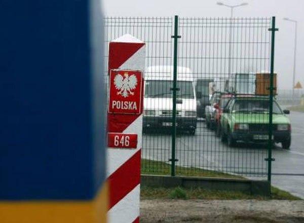 Польские таможенники стали тщательнее проверять украинцев сканерами. Награнице— очереди
