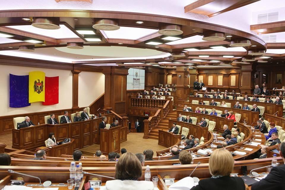 Парламент Молдовы одобрил закон о борьбе с российской пропагандой