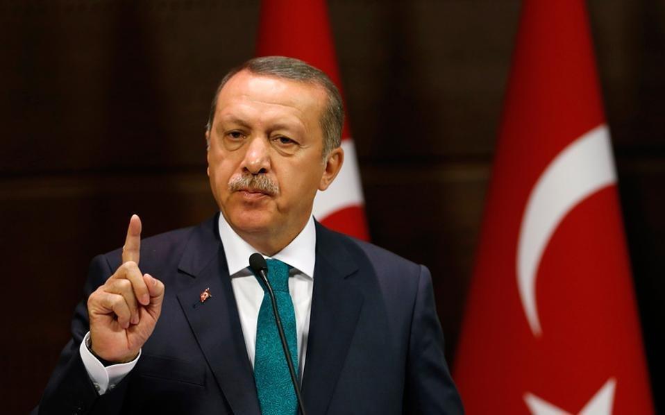 Эрдоган соскепсисом отнесся кокончанию визового кризиса сСША