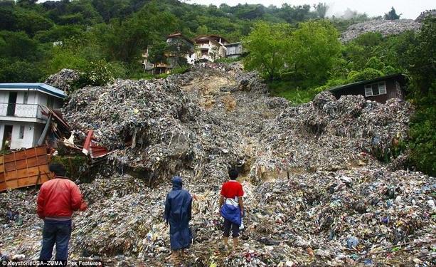 НаФилиппинах под завалами оползней погибли 26 человек