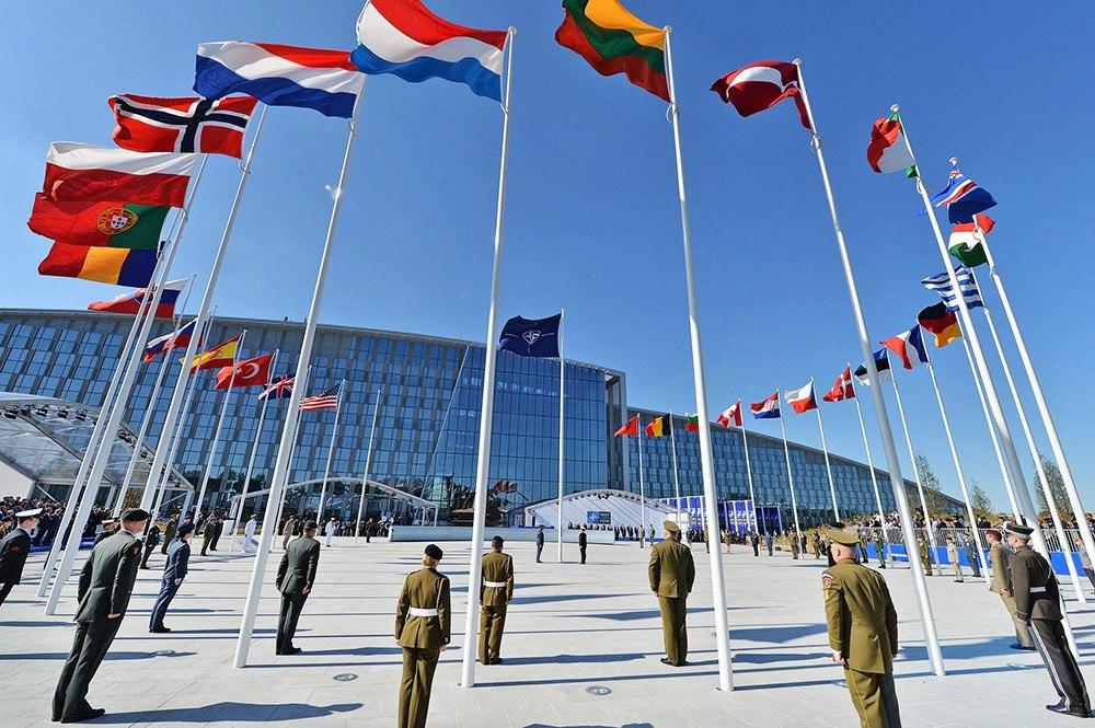 Работники НАТО начинают переезд в новейшую штаб-квартиру