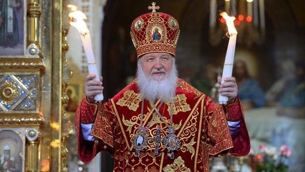 Патриарх Кирилл освятил куличи ипасхальные яйца в столичных храмах