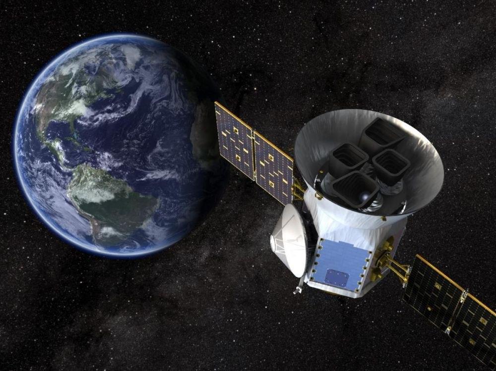 Кработе приступил космический телескоп TESS