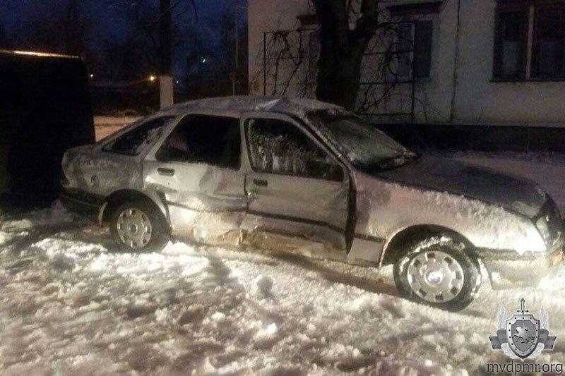 ДТП Новости Приднестровья Официальное информагентство  В Дубоссарах на скользкой дороге ford столкнулся с УАЗ