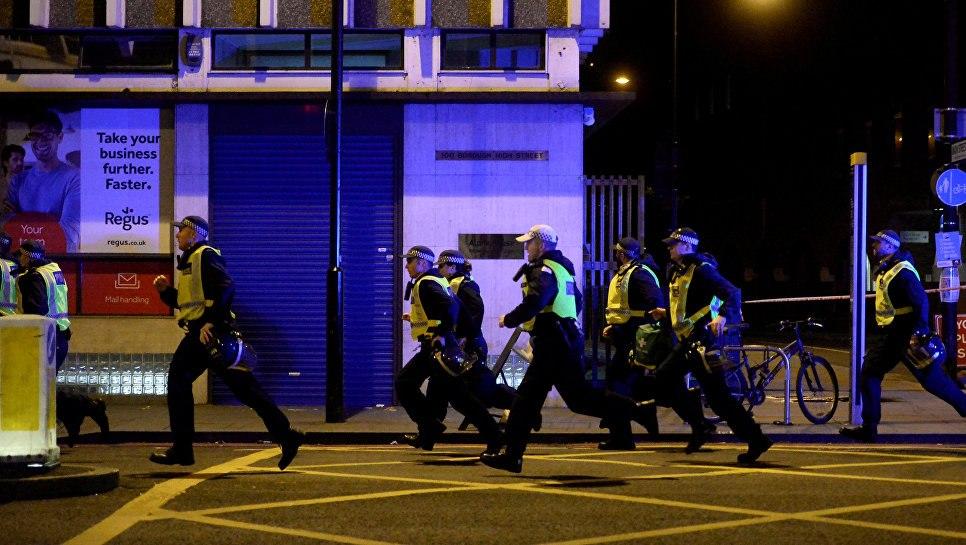 После терактов встолице Англии вынуждены прибегнуть кпомощи медиков 20 человек