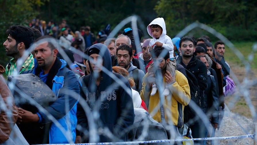 ВВенгрии мигрантам запретят свободно передвигаться постране