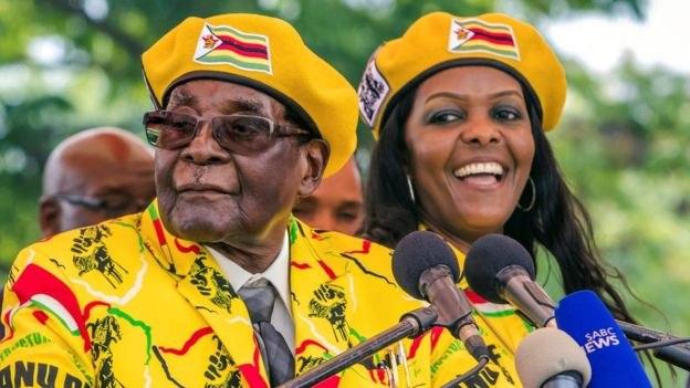 ВЗимбабве вслед заминистром финансов арестован президент страны