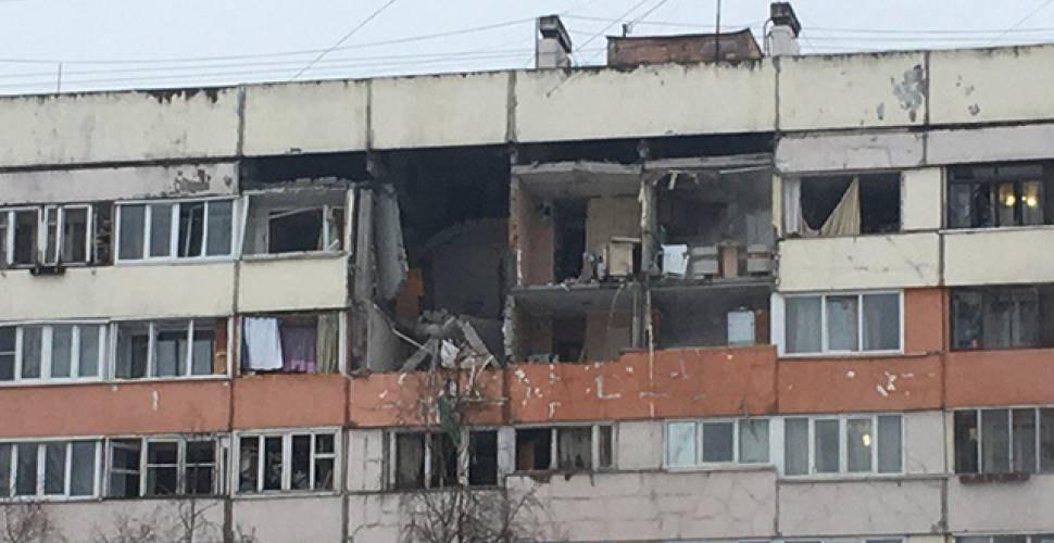 Взрыв бытового газа разрушил три этажа, есть пострадавшие— Санкт-Петербург