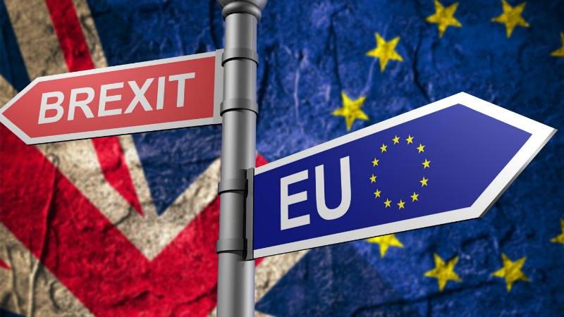 Великобритания вместе сСеверной Ирландией выйдет изТаможенного союзаЕС