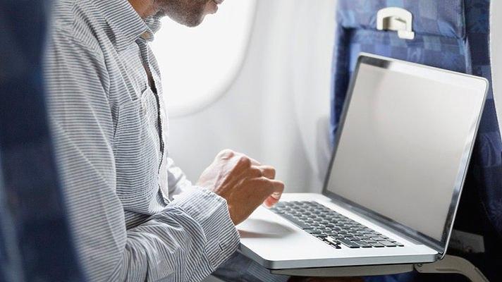 США сняли запрет напровоз ноутбуков нарейсах сБлижнего Востока