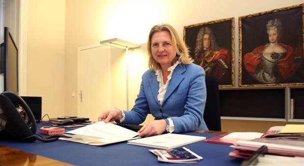 «Дали осечку»: руководитель МИД Австрии раскритиковала санкции против Российской Федерации