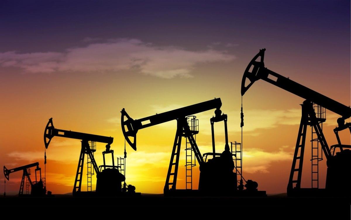 Иран предложил русским организациям сервисные договоры подобыче нефти