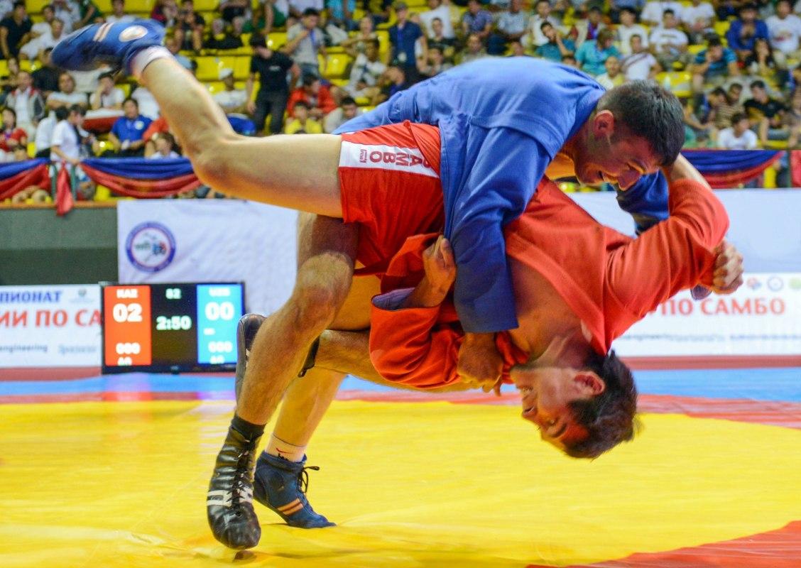 Брянская самбистка завоевала золотую медаль главенства мира