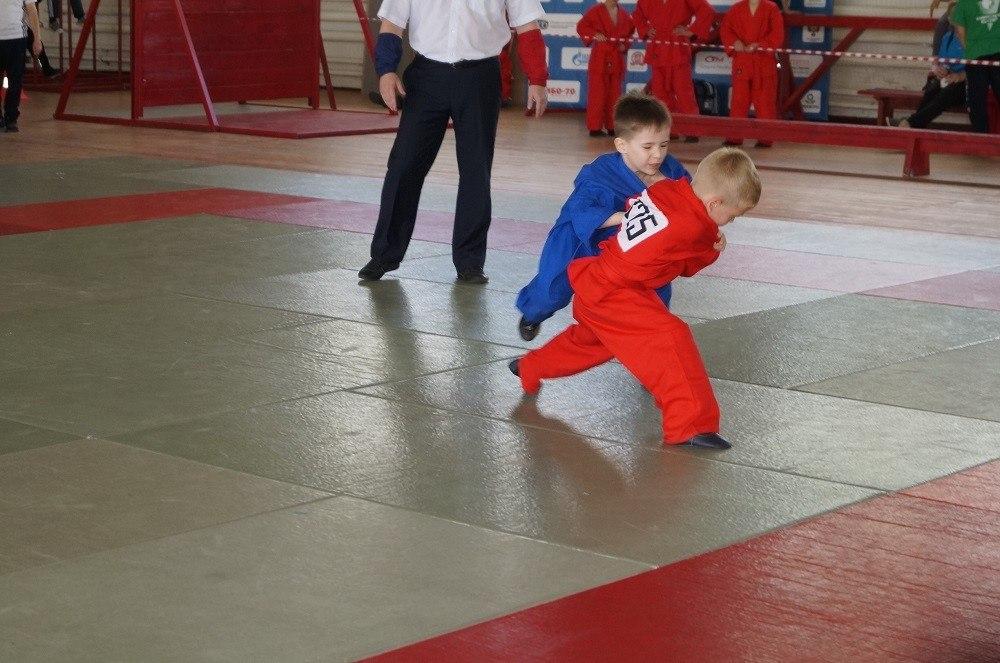 Молодые бойцы изЗубцова стали призёрами главенства мира поуниверсальному бою